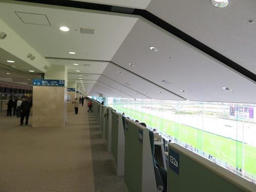 福島競馬場の4階指定席エリアの天井