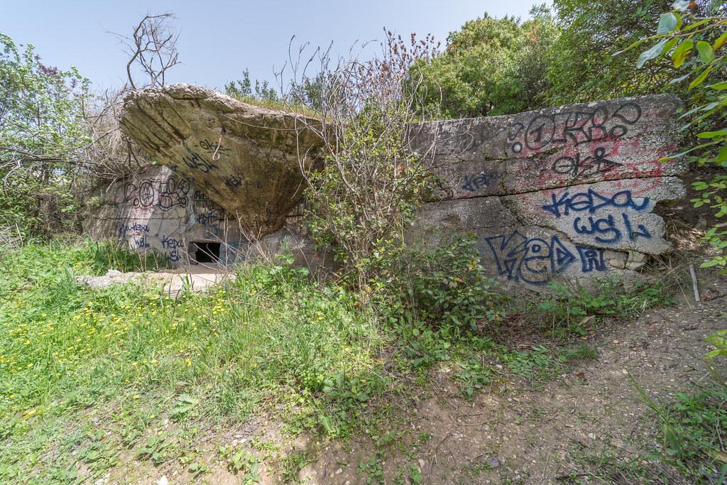 Batterie de la Valbarelle (Marseille, 13) 41433530282_c3e5369596_b