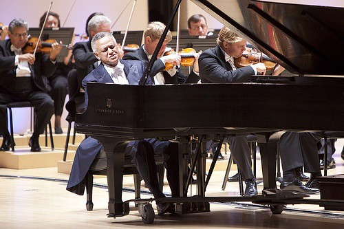 Should Soloists Always Perform from Memory?