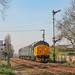37407 arrives at Cantley with 2J80 1455 Norwich - Lowestoft 19/04/18. 37423 was tailing the shorter than usual formation. The co-acting signal will be removed from this location in the very near future as part of the Wherry line modernisation.