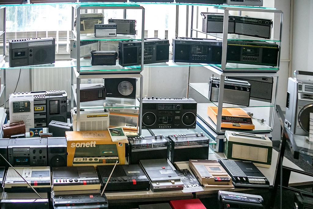 Как жили немцы при коммунистическом «иге» музее, немцы, годов, около, многих, можно, самый, Экспозиция, музея, коллекция, комнаты, работу, Дрезден, Германии, Берлин, могли, заглянет, радиоприёмники, таких, случае