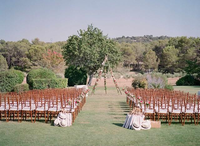 @Celine Cchuon - wedding ceremony baux de provence