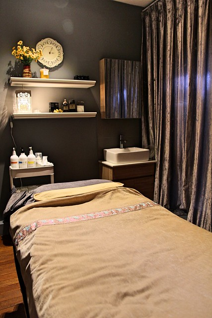 J Studios: Treatment Room