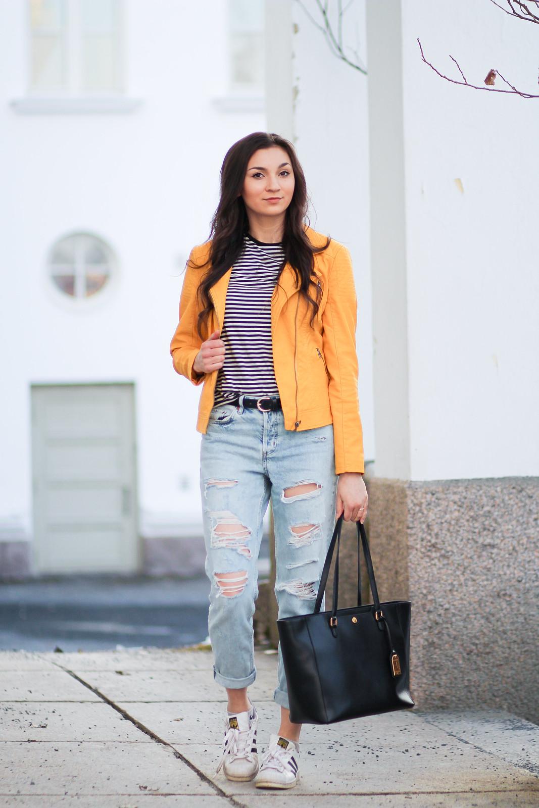 keltainen nahkatakki boyfrien farkut blogi2