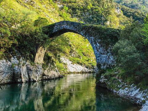 Puente de la Vidre. Asturias.