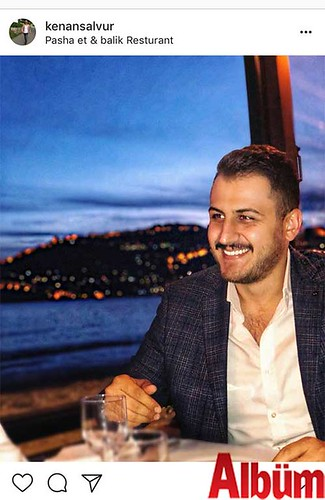 Kenan Salvur, Pasha Et & Balık Restoranın 'da Alanya manzarası eşliğinde çektirdiği bu fotoğrafıyla takipçilerinin beğenisini topladı.