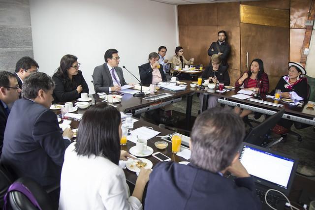 Mesa de trabajo con Comisión Aampetra