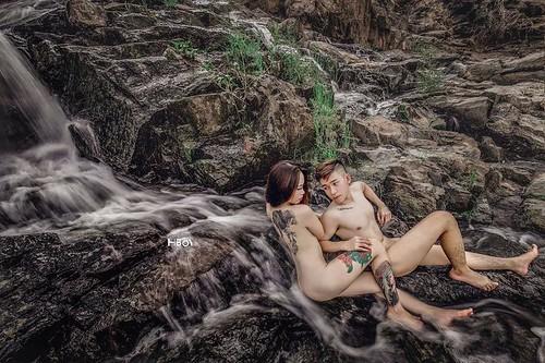 Đỏ mặt với bộ ảnh cưới khoe thân trong rừng và dưới thác của cặp đôi 9x 07