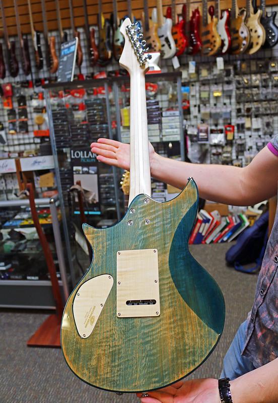 Universum Guitars  - z Marianna blue (2)