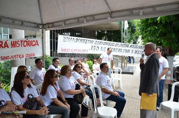 Manifestação do SINDJUSTIÇA no TJCE - 07/11/2011
