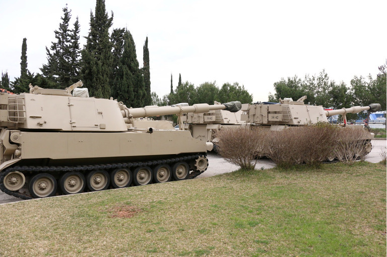 155mm-M109-12x-donated-by-jordan-to-lebanon-20150223-mln-2