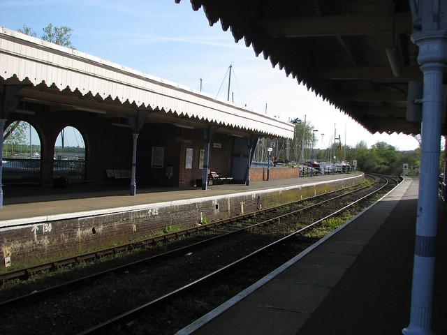 Woodbridge station