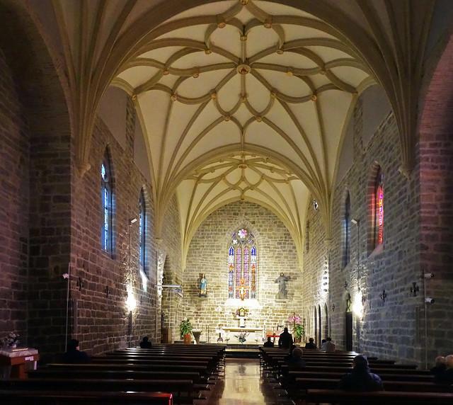 Sangüesa nave y altar mayor Iglesia del Convento de San Francisco de Asis Navarra 01