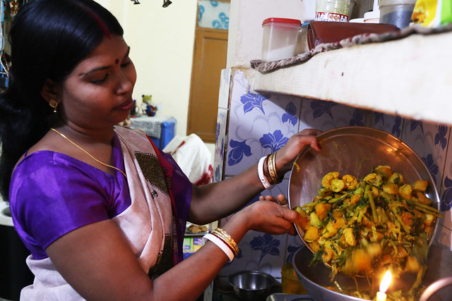 Julia Child in Delhi – Professional Cook Archana Das Cooks the Bengali Panchmishali Subzi in Her Kitchen, Chilla Village