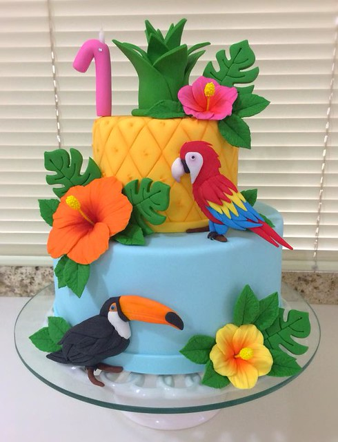 Cake by Lana Cakes - Doces Finos