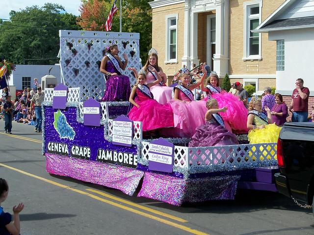 OH Geneva - Geneva Grape Jamboree Parade 8