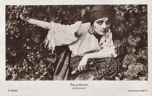 Pola Negri in Carmen (1918)