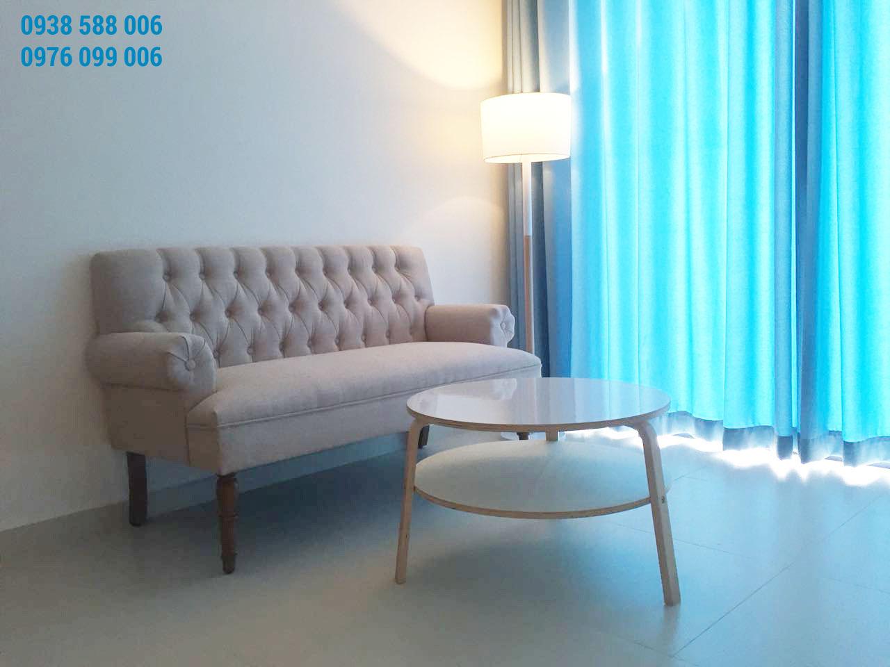 Nội thất bàn ghế sofa trong căn hộ m-one cho thuê 2 phòng ngủ.