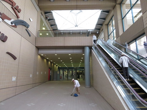 福島競馬場の中央口