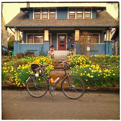 It's like a preview for tomorrow! Tonight @ejpevents and I drive up to La Conner, WA to participate in the Dandy Daffodil Tweed Ride tomorrow (Saturday March 17). Should be fun!
