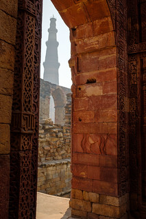 The Qutub Minar from the Tomb of Iltutmish | Delhi, India | by t linn