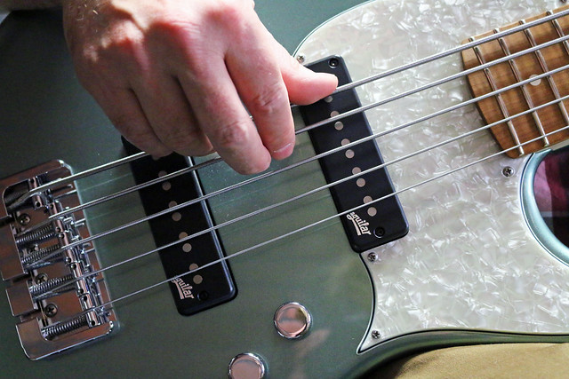 Miura Guitars - MB2 bass (4)
