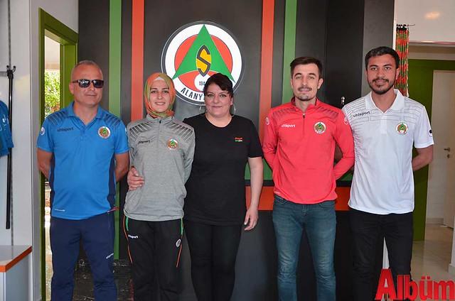 Alanyaspor Store ekibi