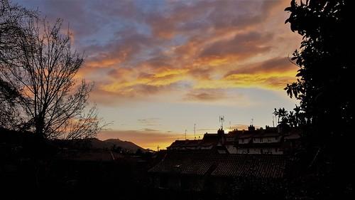 Amanecer en Intxaurrondo (Donostia).