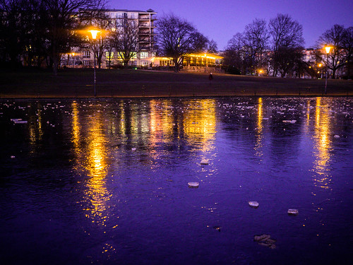 078 Still frozen