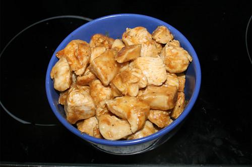 57 - Hähnchenwürfel aus Pfanne entnehmen / Remove chicken dices from pan