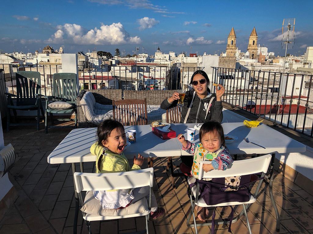Enjoying dinner on the roof-top terrace