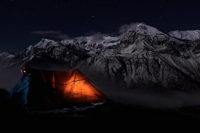 Teashop & Annapurna nasvícená úplňkem