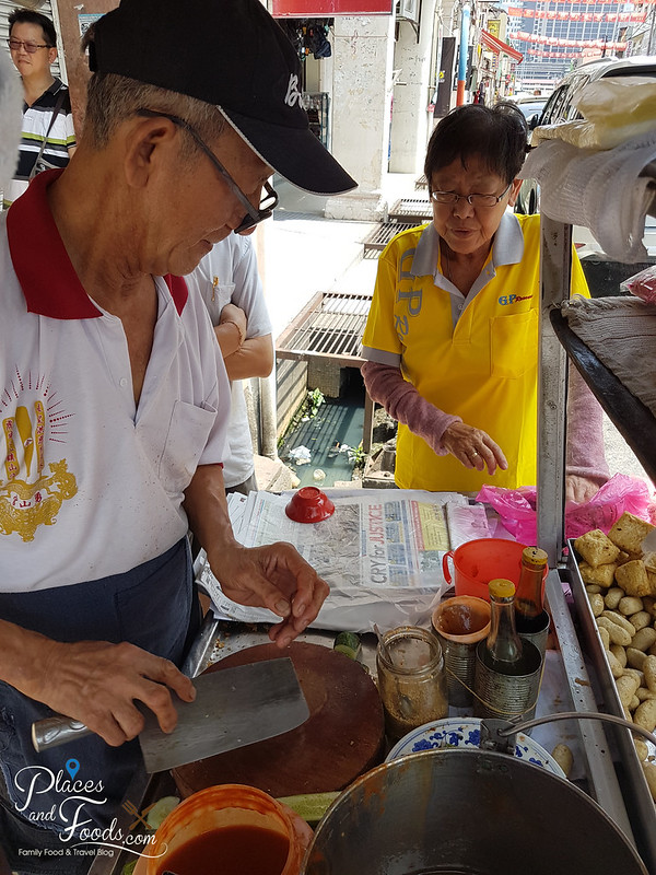 jalan bunga raya fish lobak owners
