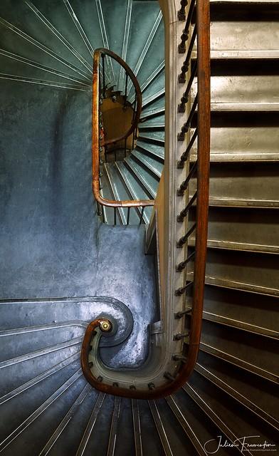 Escalier Central de la Police Judiciaire, 36 Quai des Orfèvres, Paris