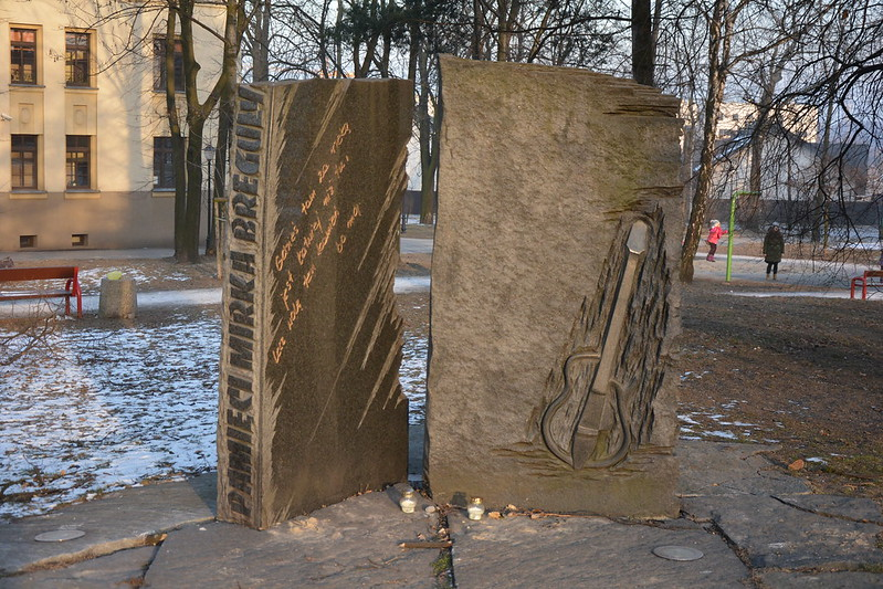 Pomnik Mirka Breguły lidera UNIVERSE