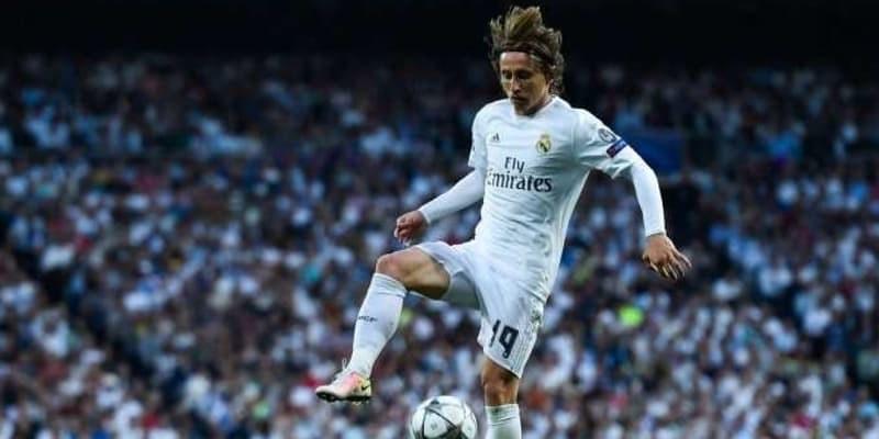 Real Madrid Rela Menjual Luka Modric Demi Pemain Bintang Liverpool