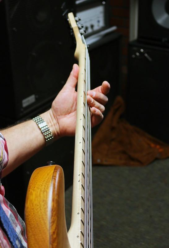 Miura Guitars - MB1 bass (4)