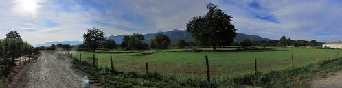 20120925 27 063 Jakobus Pyrenäen Bäume Wiese Wolken_P01