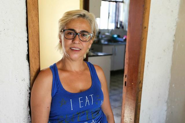 Dona Regiane conta que estabeleceu uma relação de confiança e afeto com os acampados em Curitiba - Créditos: Joka Madruga