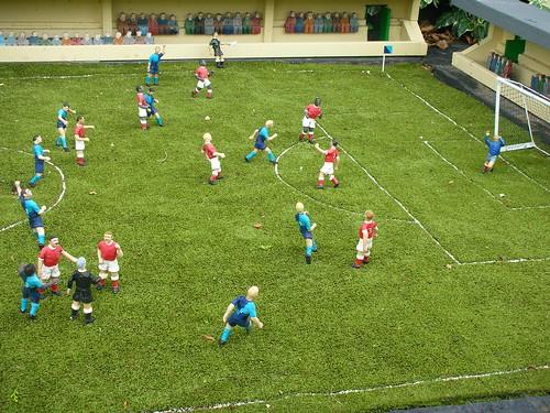 060812football.JPG