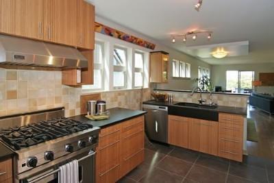 kitchen cabinetrybath cabinetsglass countertopsgranite