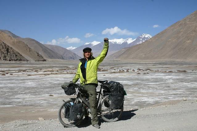Wonderful cycling near Dahongliutan, Tibet...