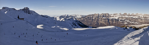 2017 ch cantonofstgallen churfirstenmountainrange flumserberg landscape maschgenkamm mountain mountains panorama people person persons switzerland blue bluesky clear clearsky panoramic skislopes sky snow snowy sunny tourists winter quarten sanktgallen