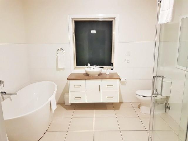 SunSurfnSand 05 - Bathroom