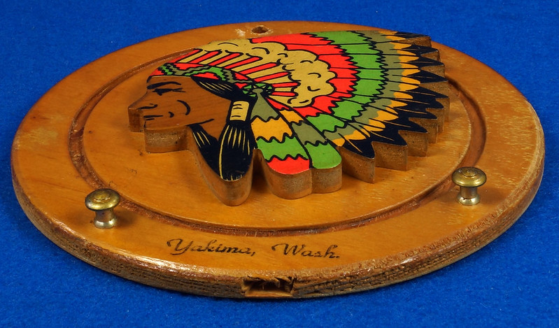 RD20612 Vintage Indian Chief Wall Hanging Wood Plaque Yakima, Wash. Souvenir DSC05096