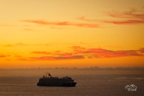 Crucero al amanecer