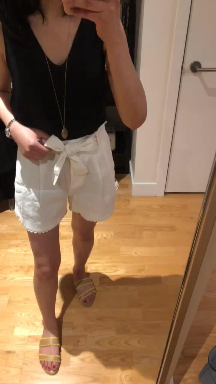 Ann Taylor Scallop Trim Tie Waist Shorts, size 00P
