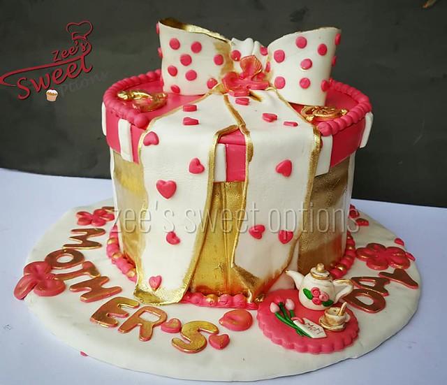Cake by Zee's Sweet Options