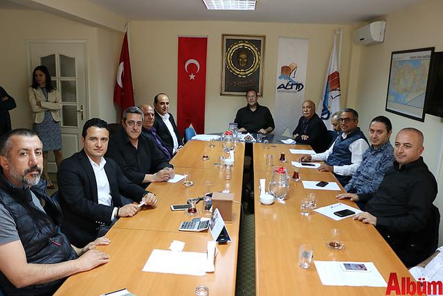 Alanya Hal Komisyoncuları Derneği Başkanı Adem Kaya ve Alanya Turistik İşletmeciler Derneği Başkanı Burhan Sili