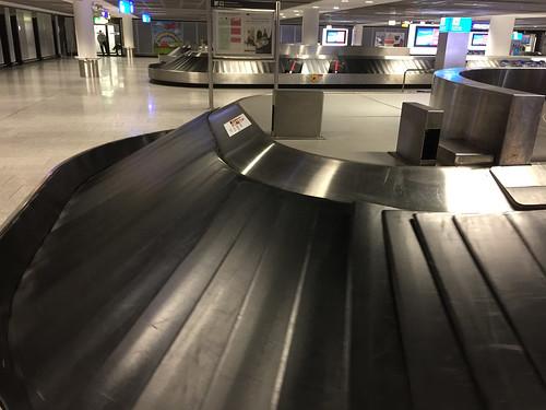42 - Am Gepäckband- Airport Frankfurt